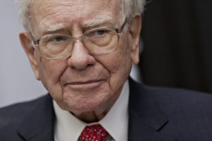 warren-buffet-warns-of-market-doom-that-can-trigger-a-bitcoin-crash-696x464